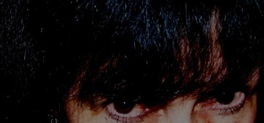 perle dark eyes cropped